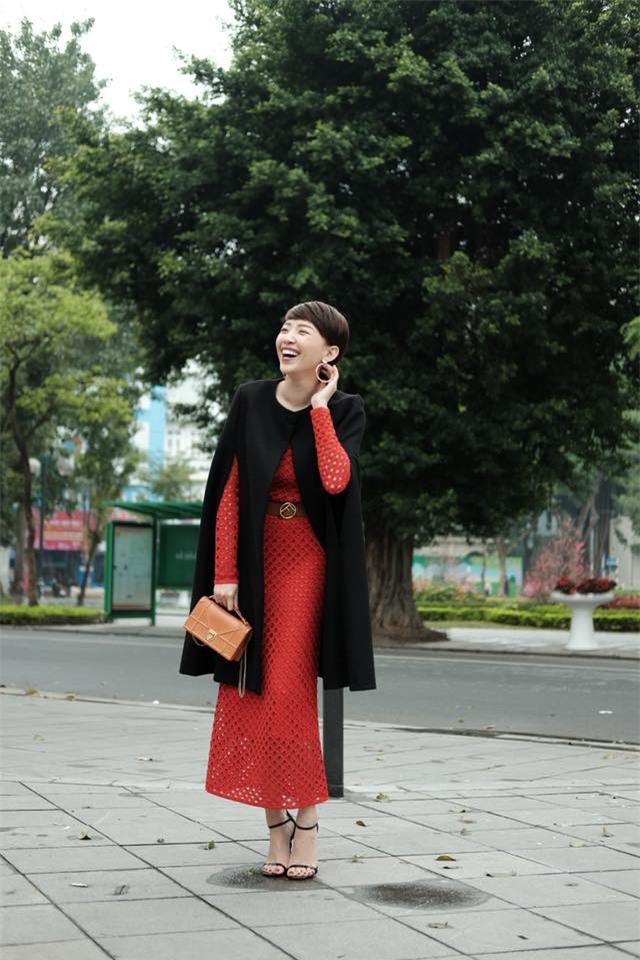 Giữa tin đồn rạn nứt tình cảm, Tóc Tiên vui vẻ xuất hiện bên Hoàng Touliver trong ngày Tết - Ảnh 2.