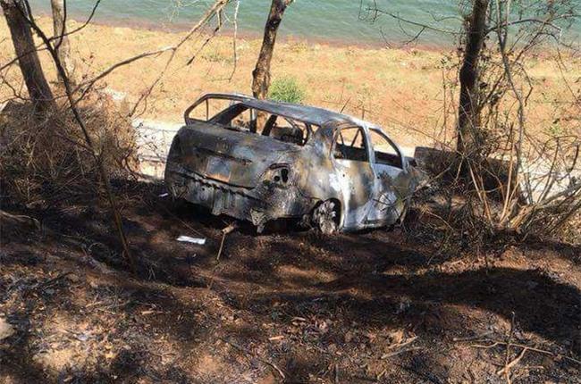 Vụ cha tưới xăng đốt ô tô chết cùng con nhỏ: Người chồng nghĩ quẩn khi vợ đòi ly hôn - Ảnh 2.