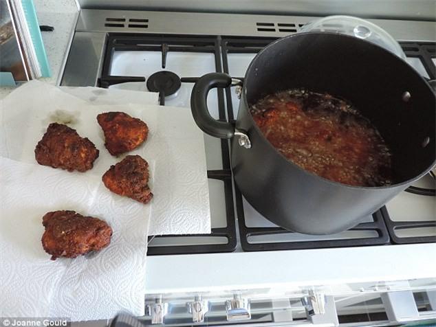 Công thức gà giòn giống hệt ngoài tiệm gà rán nổi tiếng đây rồi, các mẹ làm ngay cho con ăn thôi nào - Ảnh 10.