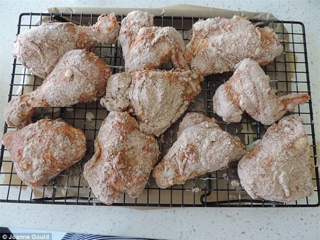 Công thức gà giòn giống hệt ngoài tiệm gà rán nổi tiếng đây rồi, các mẹ làm ngay cho con ăn thôi nào - Ảnh 7.
