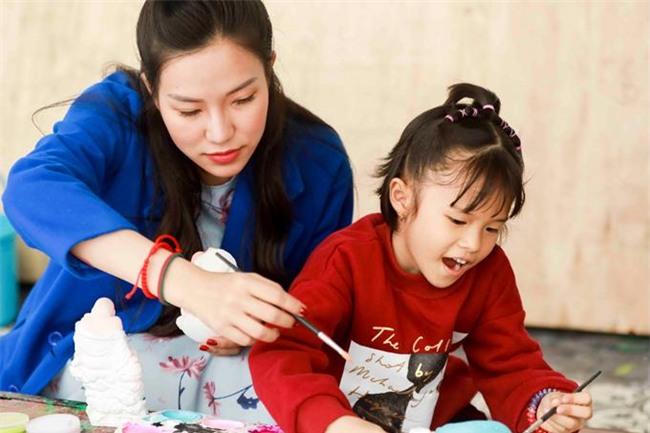 Kỷ niệm 1 năm quen nhau, Lâm Vinh Hải mạnh tay tặng nhẫn đắt tiền cho Linh Chi-2