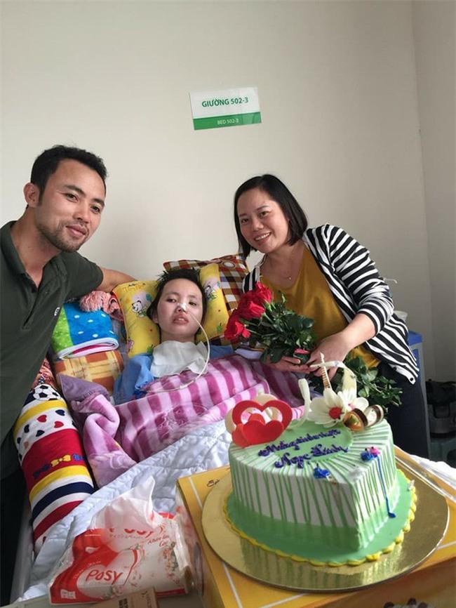 Sinh nhật đặc biệt của cô nữ sinh bị tai nạn giao thông, suốt nửa năm giành giật sự sống trong bệnh viện - Ảnh 2.