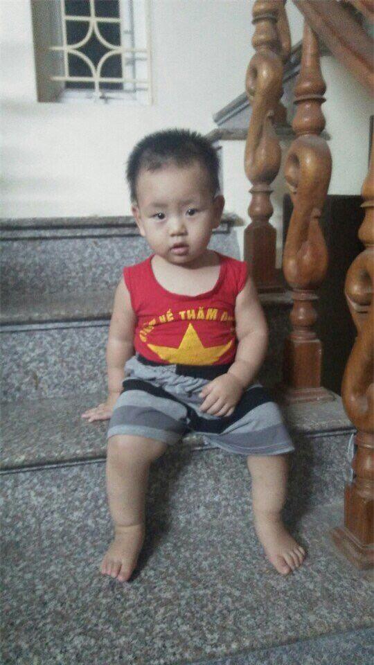 "gap lai be trai co can nang ""khong lo"" ngay luc lot long o nam dinh - 5"