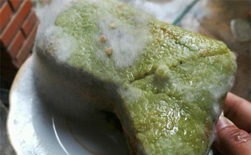 2 chất kịch độc phá hủy GAN, THẬN trong bánh chưng BỊ MỐC, cố cắt đi phần mốc để ăn là tiếp tay cho ung thư ác tính-1
