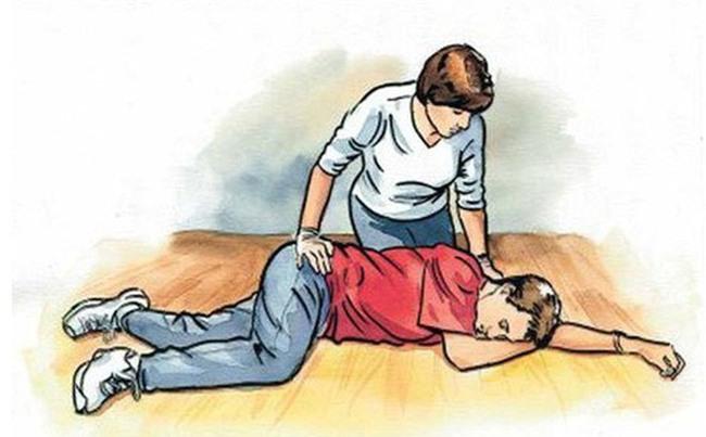 Chuyên gia chỉ cách sơ cứu tăng huyết áp: Ai cũng phải biết để tránh biến chứng đáng tiếc-1