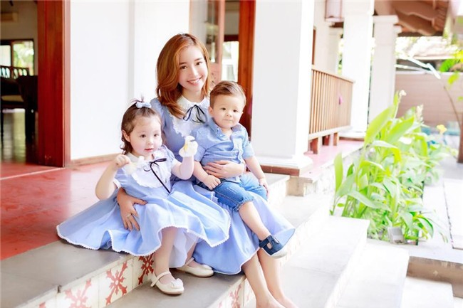 Bà mẹ hai con Elly Trần đăng ảnh bán nude táo bạo, khoe hình thể cực săn chắc - Ảnh 3.