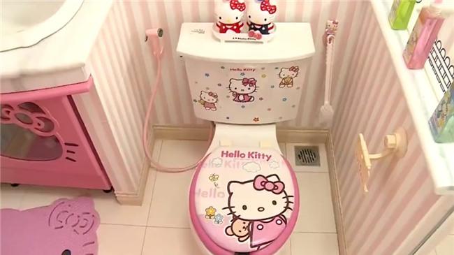 Ảnh hot nhất ngày: WC được trang trí từ A đến Z bằng hình tượng mèo Hello Kitty-5