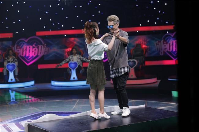 Vì yêu mà đến: Dụ được Bảo Kun tháo mắt kính, cô sinh viên trường Sân khấu vẫn ra về một mình-3