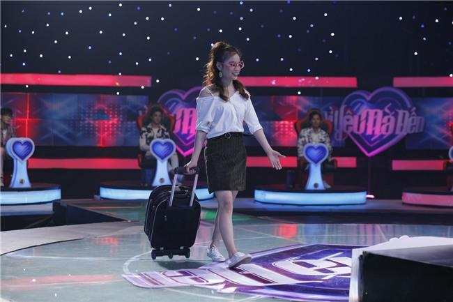Vì yêu mà đến: Dụ được Bảo Kun tháo mắt kính, cô sinh viên trường Sân khấu vẫn ra về một mình-4