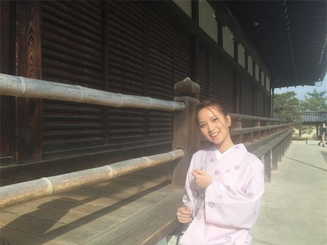 Nữ du học sinh việt mặc trang phục truyền thống của nước Nhật.