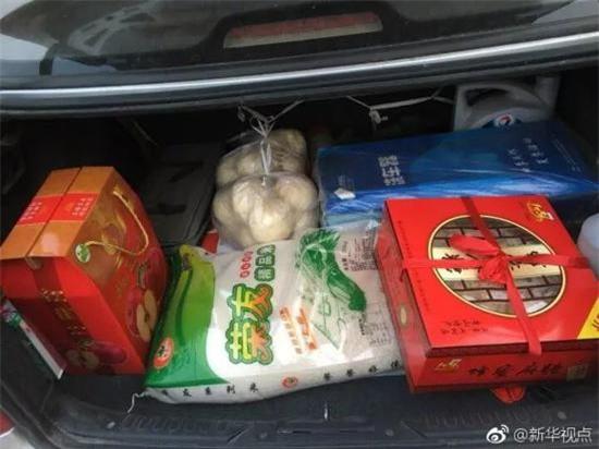 Trở về thành phố sau Tết, những người con xa quê còn mang theo những món ăn nặng trĩu tình yêu của cha mẹ - Ảnh 10.
