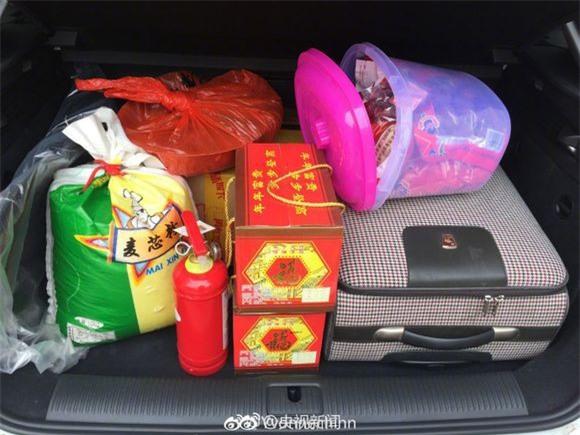 Trở về thành phố sau Tết, những người con xa quê còn mang theo những món ăn nặng trĩu tình yêu của cha mẹ - Ảnh 5.
