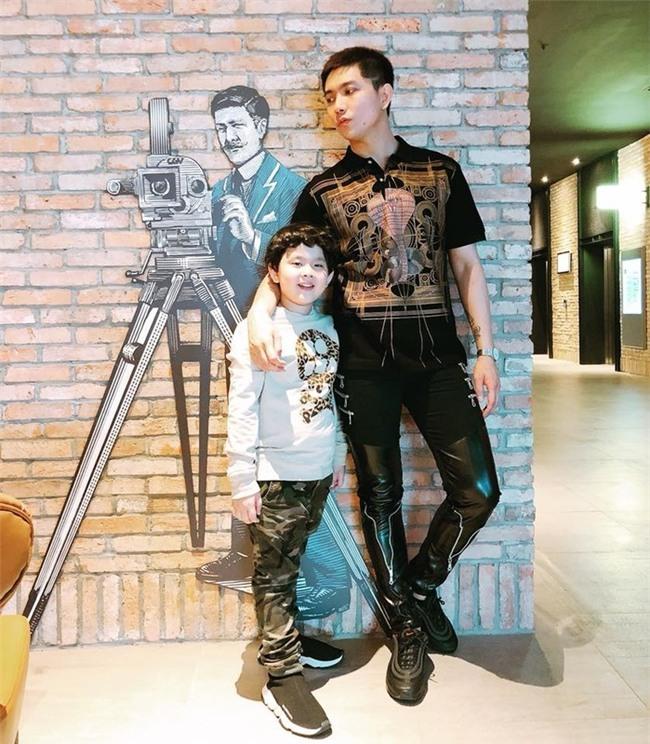 Trương Quỳnh Anhđi cùng hai cha con nhưng không ai chia sẻ ảnh chụp chung với mọi người. - Tin sao Viet - Tin tuc sao Viet - Scandal sao Viet - Tin tuc cua Sao - Tin cua Sao