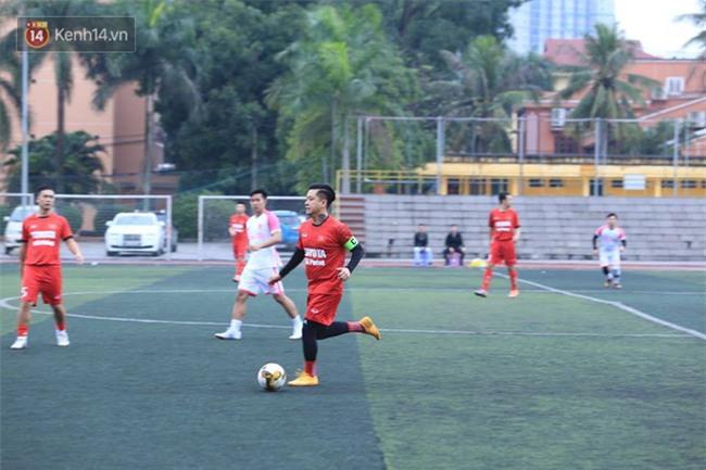 Ca sĩ Tuấn Hưng và diễn Việt Anh quyên góp được hơn 100 triệu ủng hộ thủ môn U23 Việt Nam có mẹ ung thư - Ảnh 13.