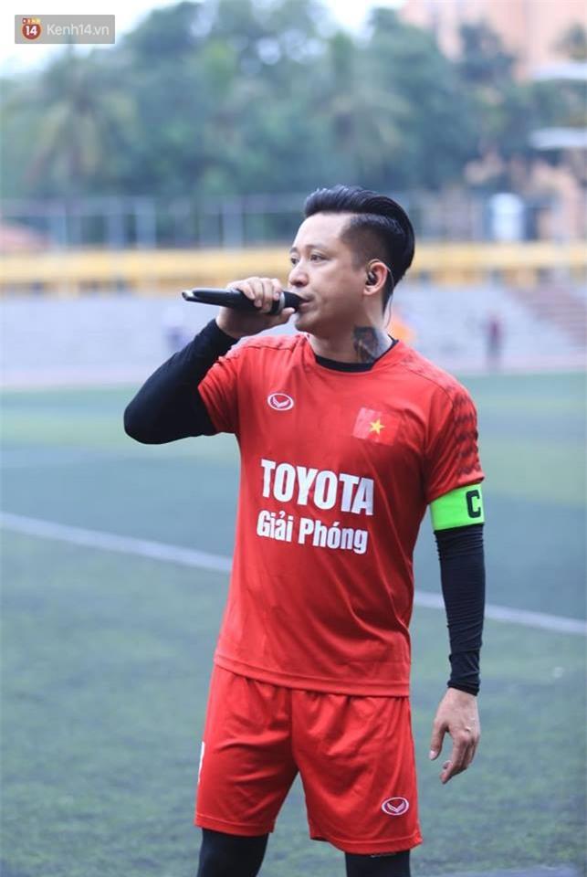 Ca sĩ Tuấn Hưng và diễn Việt Anh quyên góp được hơn 100 triệu ủng hộ thủ môn U23 Việt Nam có mẹ ung thư - Ảnh 14.