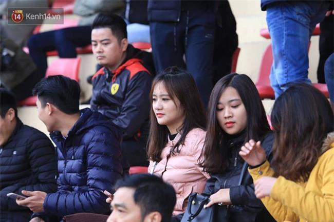 Ca sĩ Tuấn Hưng và diễn Việt Anh quyên góp được hơn 100 triệu ủng hộ thủ môn U23 Việt Nam có mẹ ung thư - Ảnh 4.