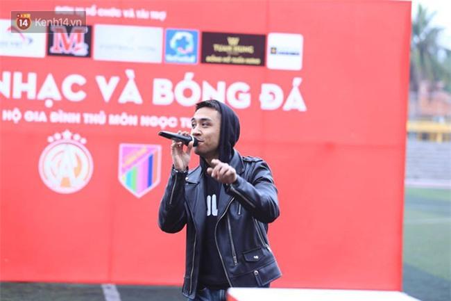 Ca sĩ Tuấn Hưng và diễn Việt Anh quyên góp được hơn 100 triệu ủng hộ thủ môn U23 Việt Nam có mẹ ung thư - Ảnh 5.