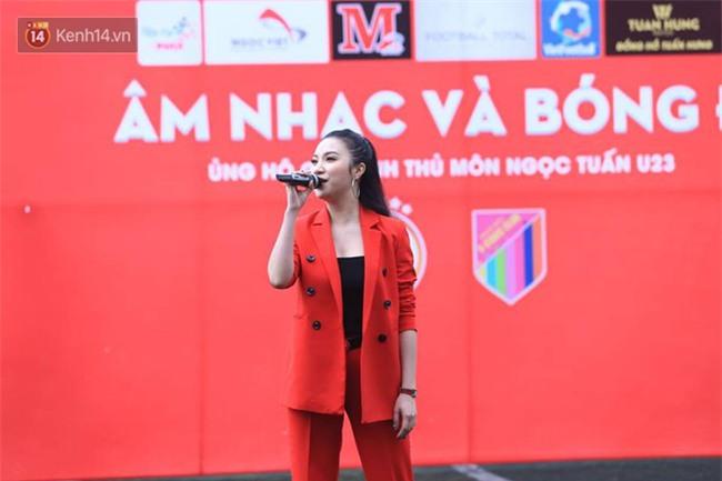 Ca sĩ Tuấn Hưng và diễn Việt Anh quyên góp được hơn 100 triệu ủng hộ thủ môn U23 Việt Nam có mẹ ung thư - Ảnh 6.