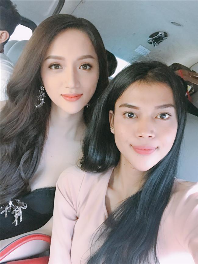 Vừa có mặt tham dự Hoa hậu Chuyển giới Quốc tế, Hương Giang đã xuất hiện nổi bật trên báo Thái - Ảnh 3.