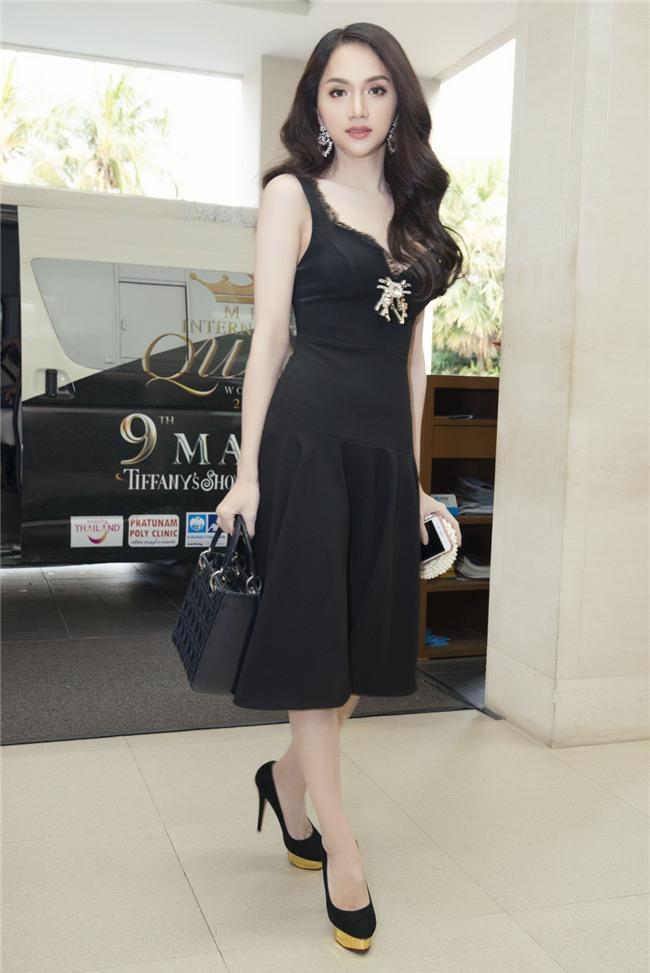 Vừa có mặt tham dự Hoa hậu Chuyển giới Quốc tế, Hương Giang đã xuất hiện nổi bật trên báo Thái - Ảnh 5.
