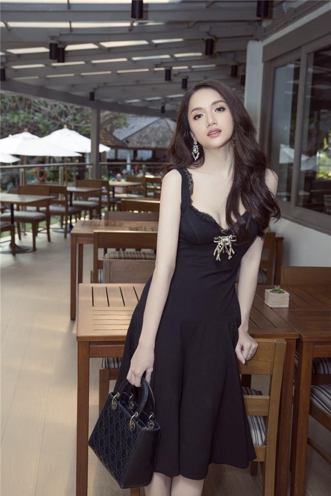 Vừa có mặt tham dự Hoa hậu Chuyển giới Quốc tế, Hương Giang đã xuất hiện nổi bật trên báo Thái - Ảnh 7.