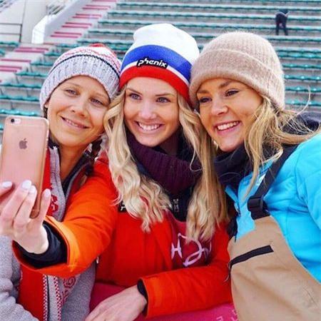 Nữ vận động viên người Na Uy, Silje Norendal cũng đã chinh phục được không ít khán giả với vẻ ngoài xinh đẹp, toả sáng tại Olympic mùa đông. Dù tuổi đời còn rất trẻ nhưng nữ vận động viên 9x đã 4 lần giành huy chương vàng tại giải Winter X Game và là một ngôi sao lớn của bộ môn trượt ván trên tuyết.