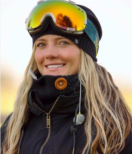 JessiKa Jenson, 26 tuổi, là nữ vận động viên trượt ván trên tuyết tham gia tranh tài tại Thế vận hội năm nay. Xinh đẹp, rực rỡ và luôn rạo rực quyết tâm thi đấu là ấn tượng khó quên mà Jenson đã để lại trong lòng người hâm mộ.
