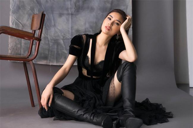 Hành trình từ hoa hậu bị chê bai, chỉ trích tới biểu tượng thời trang của Kỳ Duyên - Ảnh 12.