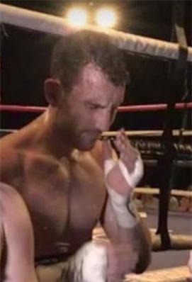 Chỉ 1 ngày sau chiến thắng, võ sĩ quyền Anh qua đời ở tuổi 31 - Ảnh 1.