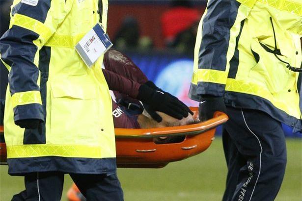 PSG xác nhận chấn thương khiến Neymar rơi nước mắt rời sân trên cáng - Ảnh 2.