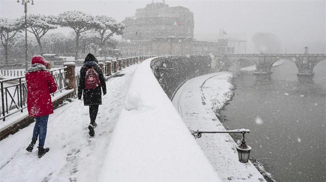 Quái vật từ phía Đông càn quét châu Âu: Đã tìm ra nguyên nhân thời tiết kỳ dị - Ảnh 1.