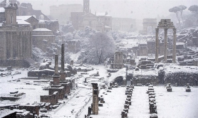 Quái vật từ phía Đông càn quét châu Âu: Đã tìm ra nguyên nhân thời tiết kỳ dị - Ảnh 2.
