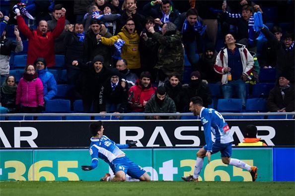 Thua trang Espanyol, Real dut mach 5 tran toan thang hinh anh 7