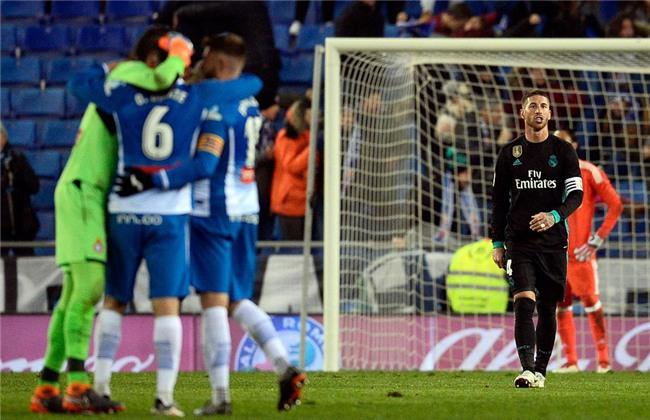 Thua trang Espanyol, Real dut mach 5 tran toan thang hinh anh 8