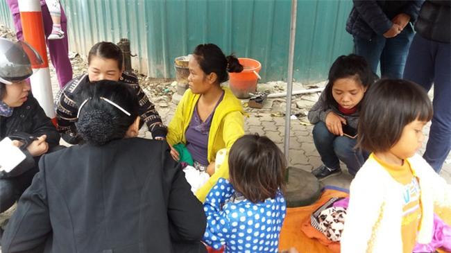 Lặng lòng chứng kiến cảnh người mẹ trẻ 8 đứa con nheo nhóc ra về Hà Nội kiếm sống - Ảnh 9.