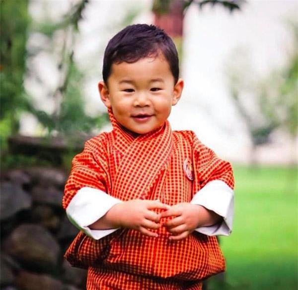 cach day con trai dac biet cua quoc vuong bhutan - vua cua dat nuoc hanh phuc nhat the gioi - 10