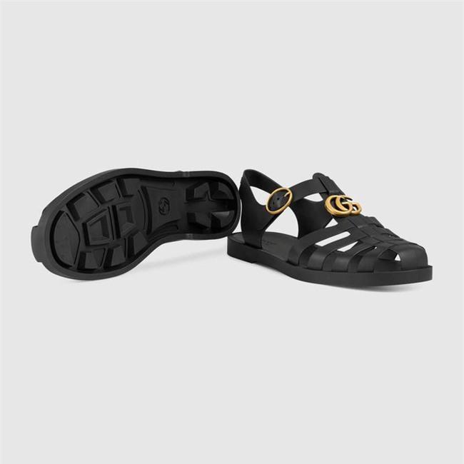 Có giá hơn 11 triệu nhưng hình như sandal của Gucci trông quá giống dép rọ bộ đội của nước ta thì phải - Ảnh 3.