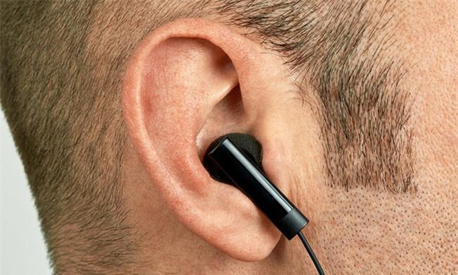 Chuyên gia lý giải tại sao quái vật mụn đầu đen mọc trong tai và thói quen rất nhiều người mắc-1
