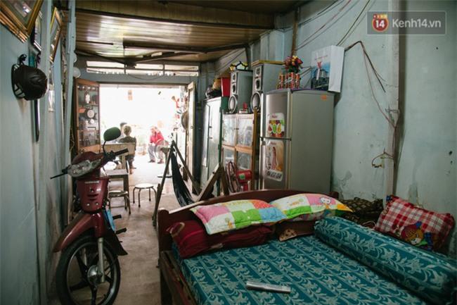 Về thăm căn nhà nhỏ cũ kỹ của gia đình thủ môn U23 Việt Nam: Mẹ ung thư, cha mất khả năng lao động - Ảnh 3.