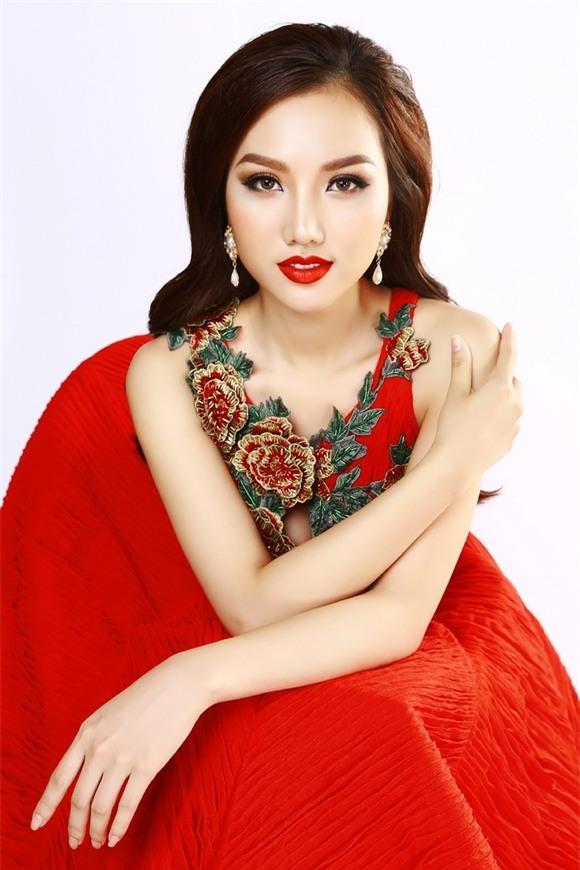 Nữ hoàng sắc đẹp hoàng thu thảo,hoàng thu thảo khoe thân hình đồng hồ cát,nữ hoàng sắc đẹp toàn cầu 2017