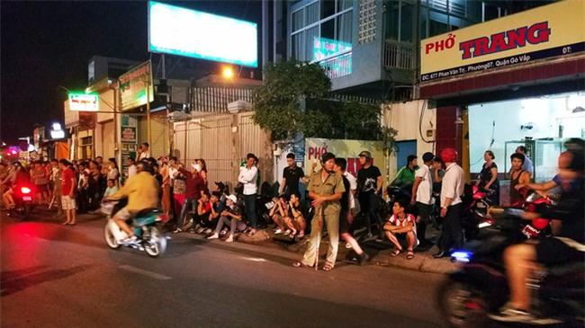 Xe ben mất lái gây tai nạn kinh hoàng ở Sài Gòn, ít nhất 3 xe máy bị cuốn vào gầm, nhiều người thương vong - Ảnh 10.
