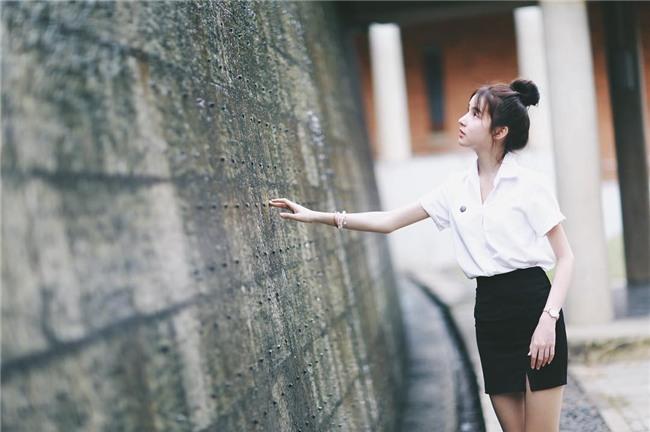 Hương Giang Idol nhận được nhiều lời khen khi xuất hiện trong clip của đối thủ mạnh nhất của cô-12