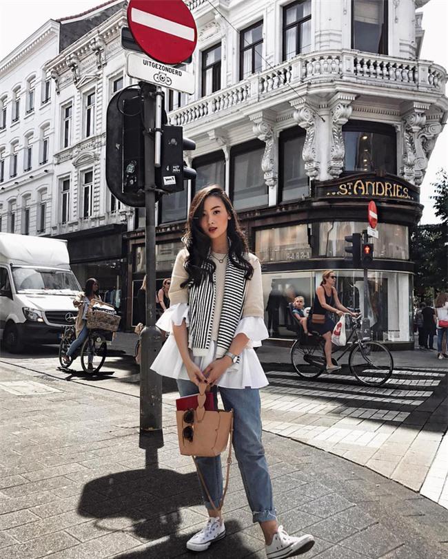 Diện quần âu và sơmi cách điệu đẹp như các quý cô châu Á trong street style đầu tháng 3 - Ảnh 16.