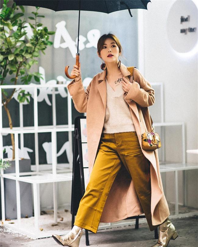 Diện quần âu và sơmi cách điệu đẹp như các quý cô châu Á trong street style đầu tháng 3 - Ảnh 3.