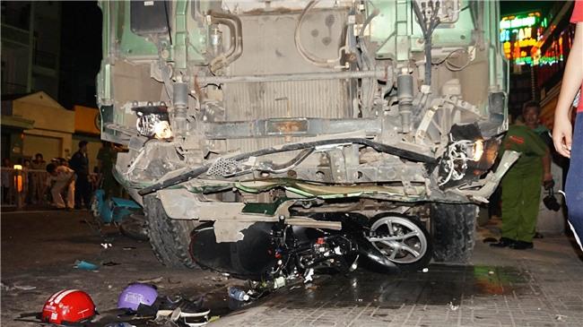 tai nạn,tai nạn xe ben,sài gòn,tai nạn giao thông,hung thần xe ben,tai nạn chết người