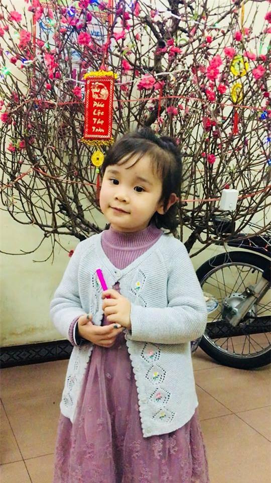 Chưa đầy 4 tuổi, cô bé này đã có thể sử dụng tiếng Anh như tiếng mẹ đẻ nhờ mẹ dạy song song từ khi tập nói - Ảnh 2.
