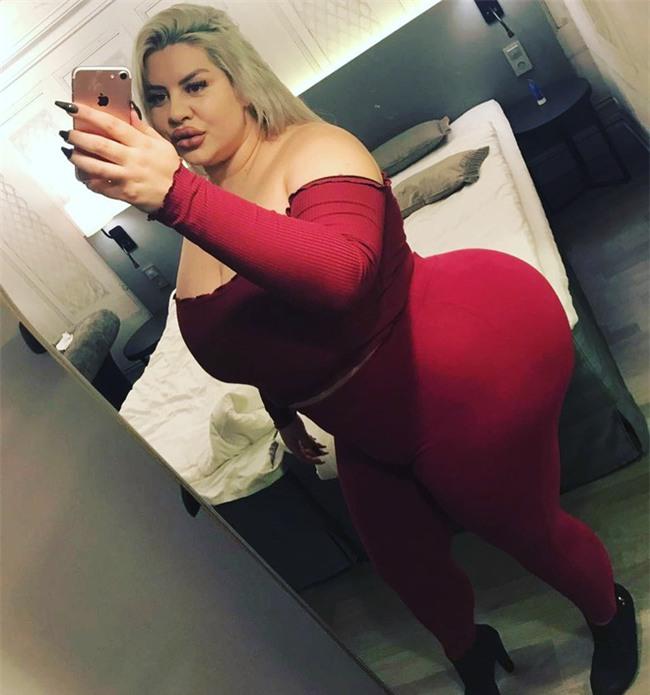Người phụ nữ gây sốc với vòng 3 khổng lồ dự định tiếp tục độn mông mặc cho lời cảnh báo sức khỏe từ bác sĩ - Ảnh 1.