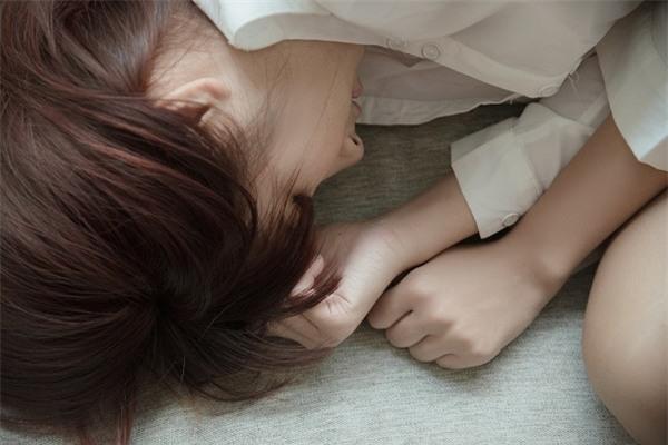 Khi ngồi ghế chờ ở phòng khám thai, một người phụ nữ đã bước đến và tát thẳng vào mặt chồng tôi - Ảnh 2.