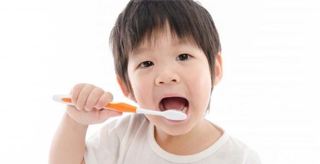 Để không còn phải thúc giục con đánh răng, hãy học ngay chiêu này - Ảnh 2.
