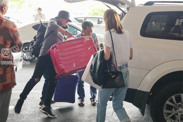 Từ Hàn trở về, Linh Chi mua búp bê tặng con gái của Lâm Vinh Hải-10